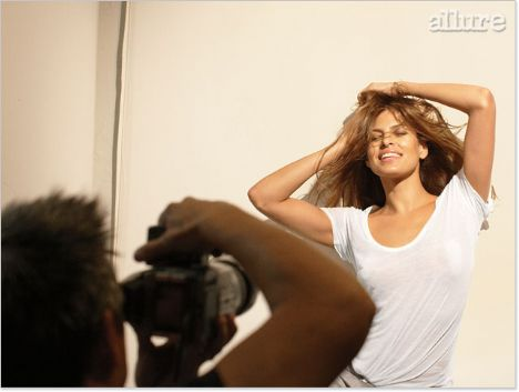 Eva Mendes Vogue'a soyundu - 28